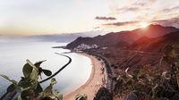Hitta värmen på Kanarieöarna i höst