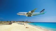 På St Maarten gäller det för piloten att ha tungan rätt i mun.